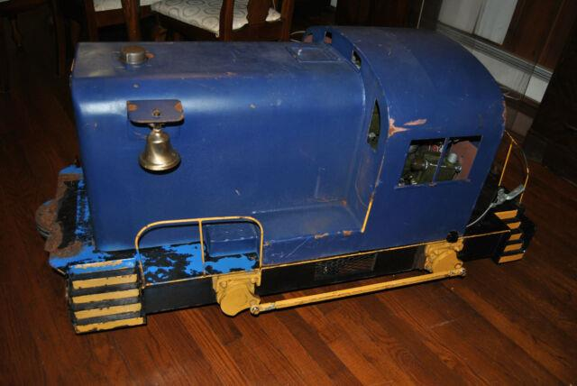 16 Gauge Amusement Park Diesel Train Locomotive, Switcher, Large Ride On Model