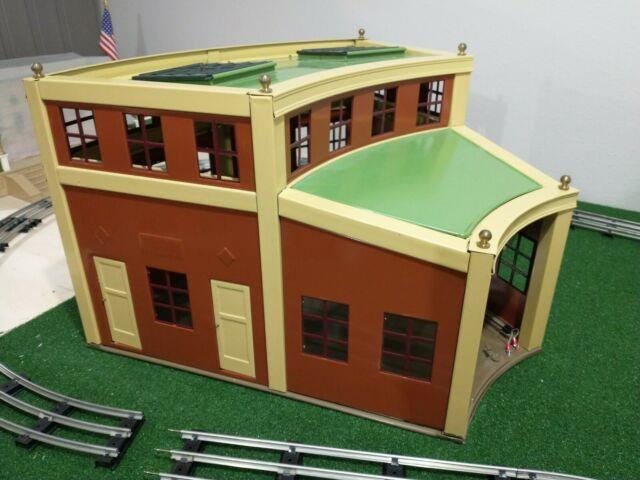 # 444 Mth Lionel Roundhouse Section Standard Gauge Little Used. Near Perfect