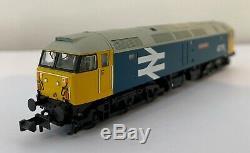 Graham Farish N Gauge BR Class 47 47711 Greyfriars Bobby BR Blue Large Logo