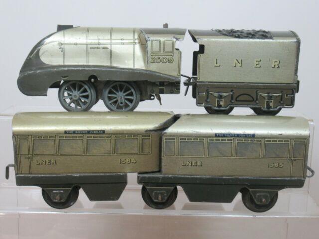 Hornby 0 Gauge Model No. O Silver Jubilee Stream Line Train Set