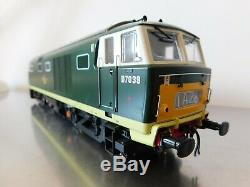 Heljan O gauge Class 35 Hymek 2 tone green livery excellent condition