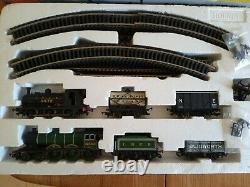Hornby 00 Gauge R1097 East Coast Pullman complete digital DCC train set