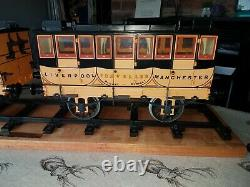 Hornby 3.5 gauge Stephensons Rocket live steam loco engine & 2 coaches EX
