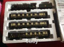 Hornby R1169'TORNADO PULLMAN EXPRESS' OO Gauge Train Set