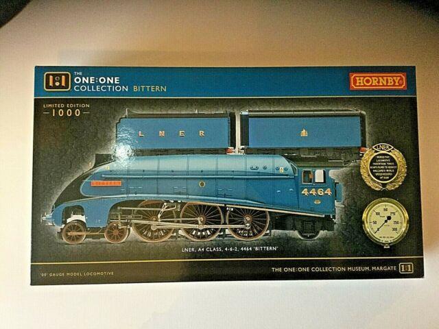 Hornby R3771 Class A4 Lner Blue 4-6-2 No 4464 Bittern Double Tender Oo Gauge