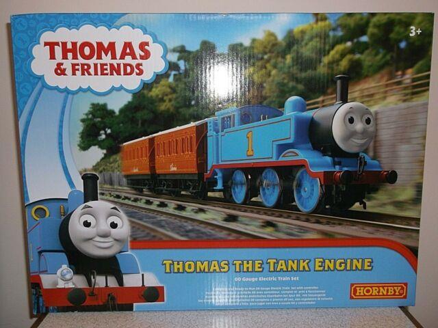 Hornby R9283 Thomas The Tank Engine Set, Thomas, Annie, Clarabel New Oo Gauge