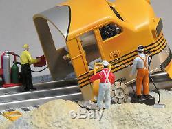 LIONEL PLUG N PLAY RIO GRANDE SCRAP YARD O GAUGE train animated crew 6-82495 NEW