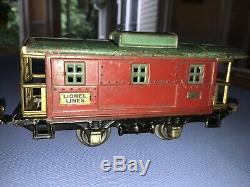 Lionel PreWar O gauge train set with 252 Locomotive and 8 cars. Good condition