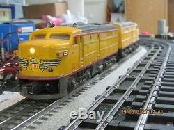 Lionel Vintage O gauge Train Set including Postwar 2023 Locomotive and 3 cars