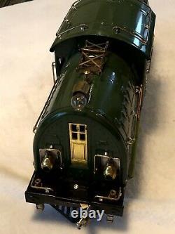 Standard gauge prewar 3 car state set, green 381E