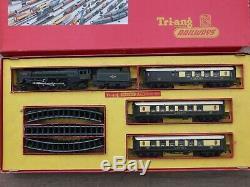 Triang Railways Hornby RS3 OO Gauge Train Set Britannia Loco & Coaches Boxed
