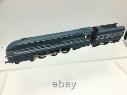 Wrenn W2301 OO Gauge LNER Blue Coronation Class 6221 Queen Elizabeth